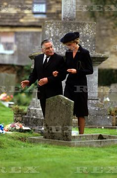 3 sep 1986 diana accompanies Prince Charles right hand man Paddy Whiteland a staff member at Highgrove house to the FUNERAL OF his wife NESTA. (Date by Rex)
