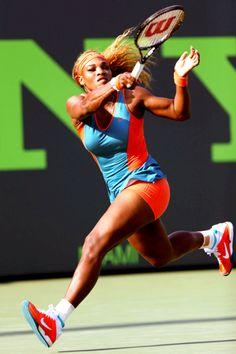 Serena Williams @JugamosTenis