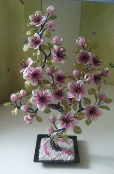 Ideas and Decor beaded cherry blossoms Nylon Flowers, Wire Flowers, Flower Vases, Crochet Flowers, Paper Flowers, Beaded Crafts, Beaded Ornaments, Wire Crafts, Diy And Crafts
