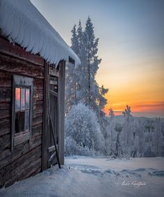 Exploring the beauty of winter in the north you should. Beautiful Photos Of Nature, Beautiful Sunset, Beautiful World, Winter Love, Winter Snow, Winter Christmas, Snowy Window, Snowy Weather, Winter Scenery