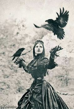 Things that are magical and have animals always remind me of story Julie might write Raven Crow Rook Black Goth Myth Fear Darkness Wild Look Vintage, Vintage Photos, Goth Victorien, Arte Obscura, Crows Ravens, Victorian Goth, Fantasy, Dark Beauty, Wicca