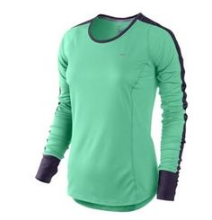 This adorable Nike Dri-Fit Racer Top is perfect for your winter workouts! Get it from Eastbay for $37.99 (or check out our Eastbay coupon codes and get it for even less!). http://www.rewards4mom.com/7-workout-looks-eastbay-will-make-want-exercise/