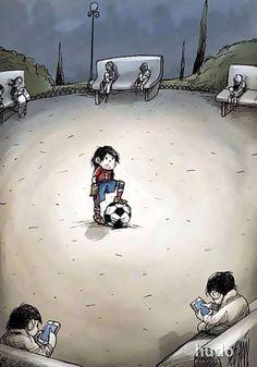 Recuerdo las tardes en que los chicos del barrio se reunían en las 'casillas' en el internado a jugar fútbol, yo solía reír mucho con tan solo verlos, mi primo paco intento que yo jugara soccer varias veces pero nunca me gusto lo ordinario.