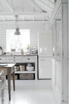 Ett lantligt, rustikt kök är varmt, ombonat och välkomnande. Välkommen in i 16 ombonade lantliga kök!