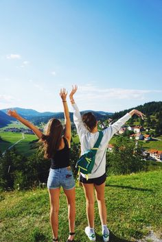 traveling the world with my best friend  my pic!  Instagram: hannah_meloche Pinterest: hannahmeloche