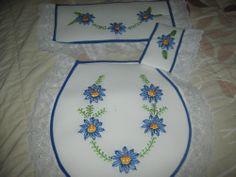 juego de baño bordado 2 trabajo de nuestra amiga Maryan