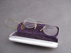 pince nez glasses with ear hook
