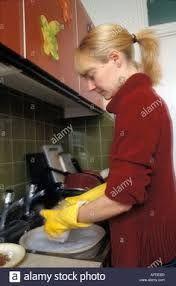 Afbeeldingsresultaat voor pics of senior women wearing rubber gloves