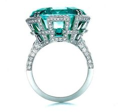 Emerald, Diamond's and White Gold, Perfection.