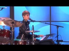 ▶ Ellen Sings with James Blunt and Justin Bieber! - YouTube   hahaha, love it, too funny :)