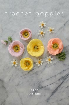 Crochet Puff Flower FREE crochet Iceland poppy pattern - make a bunch of realistic crochet poppies for a Mother's Day bouquet or a Spring flower crown Poppy Crochet, Crochet Poppy Free Pattern, Crochet Puff Flower, Crochet Motifs, Crochet Flower Patterns, Crochet Flowers, Knitting Patterns, Crochet Bouquet, Crochet Ideas