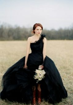 Odd as it may seem, I always wanted a black wedding gown. -black gown by jose villa Wedding Robe, Black Wedding Gowns, Gothic Wedding, Lace Wedding, Wedding Bikini, Wedding Attire, Rustic Wedding, Dark Beauty, Looks Style