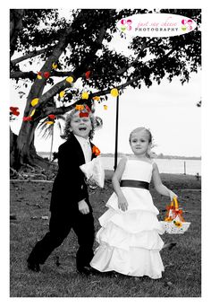 fall wedding flower girl this picture made me thought of something what if instead of flowers we did like leaves for the flower girl