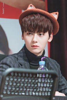 180207 Wanna One at Lotteria Fansign Jinyoung, Busan, Shanghai, Ong Seung Woo, Yoon Doo Joon, Nu Est Minhyun, Let's Stay Together, Guan Lin, Fandom