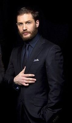 Tom Hardy, looking incredibly dapper in a dark suit. Most Beautiful Man, Gorgeous Men, Tom Hardy Hot, Tommy Boy, Perfect Man, Taylor Kitsch, Sexy Men, Gentleman, Hot Guys