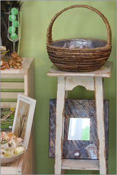 """""""Až přestane pršet tak tě chytím"""" zrcadlo + věšáček v dřevěném rámu ryté,mořeně lihovým mořidlem dobarvované akrylovými barvami a přelakované velikost: 25 x 25 cm Wicker Baskets, Home Decor, Products, Decoration Home, Room Decor, Gadget, Woven Baskets, Interior Decorating"""