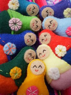 Handmade of multicolor felt. Craft Activities For Kids, Crafts For Kids, Arts And Crafts, Matryoshka Doll, Kokeshi Dolls, Sewing Projects, Projects To Try, Felt Hearts, Pincushions