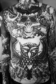 This is Mitch Lucker, the deceased vocalist of Suicide Silence. An awesome talent and he had great tattoo work. Mitch Lucker, Great Tattoos, Trendy Tattoos, Beautiful Tattoos, Tattoos For Guys, Amazing Tattoos, Famous Tattoos, Popular Tattoos, Tattoo Damen