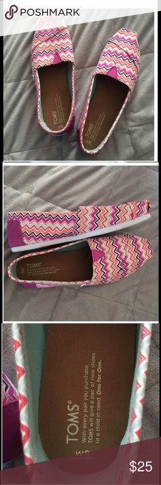 REPOSH. TOMS. New without tags or box REPOSH. Chevron TOMS. New without tags or box. Purchased but not my style. Want to make back what I paid Toms Shoes Flats & Loafers