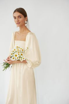 Robe de mariée Sleeper - Atlanta Silk Dress in Pearl White Bridal Dresses, Wedding Gowns, 70s Wedding Dress, Bridesmaid Outfit, Dream Dress, The Dress, Bridal Style, Wedding Styles, Fashion Dresses