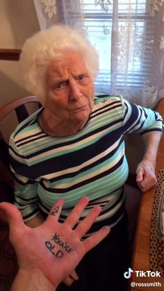 # funny # videos 0 for granny # funny # videos . Funny Videos, Funny Video Memes, Funny Quotes, Humor Videos, Funny Shit, Haha Funny, Funny Posts, Hilarious, Funny Walk