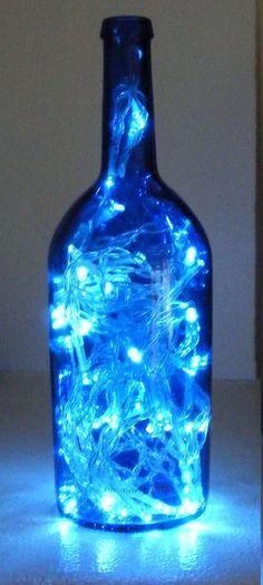 Endulza tu habitación con una mágica botella lámpara LEDCrear un precioso efecto de iluminación de una forma original puede ser muy fácil , solo hay que introducir un juego de luces LED en una botella de vino y obtendremos una fantástica lámpara para...