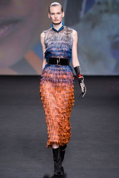 Now this is fun. Love the colour transitions from silver to orange. Christian #Dior Fall 2013 #Couture
