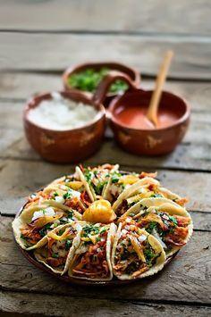 Receta de tacos al pastor!! http://www.cocinaland.com/receta-tradicional-de-tacos-al-pastor/ @cocinaland #cocinaland