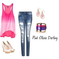 Pink summer outfit for high school senior portrait #teenfashion #teens #outfits