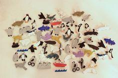 12月13日(日曜日)に京都水族館で行われるハッピーペンギンクリスマスに参加します。ペンギンや海の動物のブローチを売ってます。時間は10時から20時までです。水族館の中でアイリッシュの音楽のライブがあったりしますよ(お昼ぐらい)。それと明日は五条モール別館で植物のモチーフのアクセサリーを作っておられる方の展示販売もしていますよ。「実と、葉と、花と、そのぐるり。」filithematerira(フィリテマテリラ)とてもすてきでした。繊細な仕事。ぼくももっと研鑽しなければ。