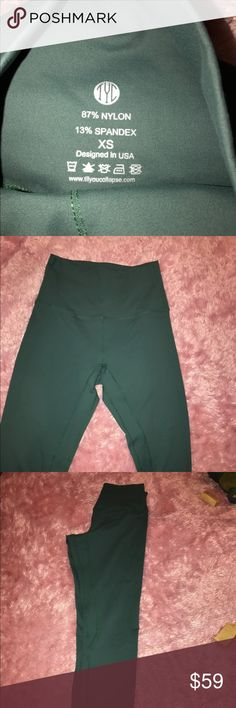 TYC LEGGINGS Worn once. Doesn't fit til you collapse Pants Leggings