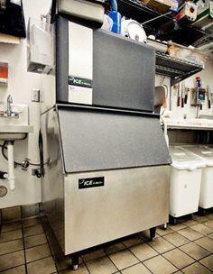 Commercial Kitchen Layout: Refrigerators, Freezers and Ice Machines