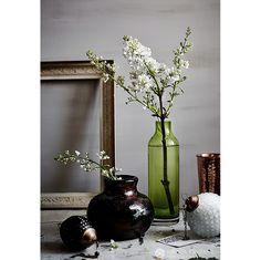 lilac-syreeni-spring-white-still-life-setup-interior-krista-keltanen-01