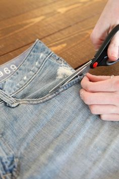 Good DIY jean shorts tutorial