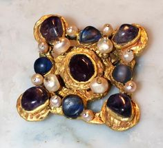 Brooche from century Musee de Cluny, Paris Renaissance Jewelry, Medieval Jewelry, Ancient Jewelry, Victorian Jewelry, Antique Jewelry, Vintage Jewelry, Jewelry Show, Art Deco Jewelry, Jewelry Findings