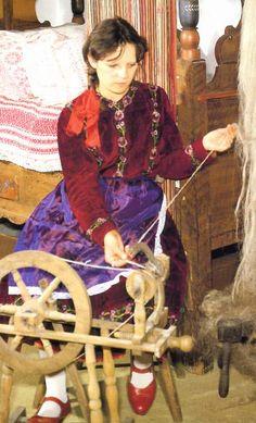 Vitnyéd Folk Costume, Costumes, Spinning Yarn, Folklore, Budapest, Equestrian, The Past, 1, Culture