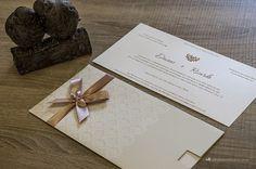 Convite de casamento: composição harmônica entre o moderno e o clássico.
