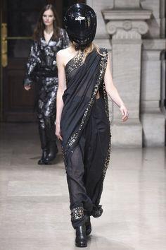 A.F. Vandevorst Spring 2016 Ready-to-Wear Collection - Vogue