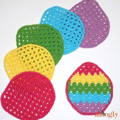 Is there anything better than the happy colors of spring after a long dreary winter? Add some crochet color with the free Easter Egg Granny Washcloth! Easter Crochet Patterns, Crochet Motifs, Crochet Afghans, Easter Garland, Christian Crafts, Easter Crafts For Kids, Easter Projects, Easter Ideas, All Free Crochet