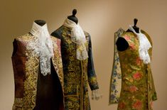 Belgian artist Isabelle de Borchgrave is a painter by training, but textile and costume are her muses. Working in collaboration with leading costume historians and young fashion designers, de Borchgrave crafts a world of splendor from the simplest rag paper.