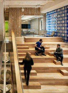Multiuse stairs Interior Stairs, Office Interior Design, Design Offices, Office Designs, Corporate Interiors, Office Interiors, Stairs Architecture, Interior Architecture, Commercial Design