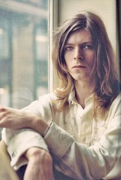 Hair thin men david bowie for 2019 David Bowie Hunky Dory, David Bowie Ziggy, Bowie Ziggy Stardust, Lady Stardust, Dorian Gray, The Thin White Duke, Rock Music, Alter, Rock And Roll