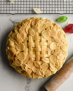 Celebrating Pi Day with an Ambrosia apple pie… an ultimate apple lover's pie, with a short crust pasty. Be well my friends! Pie Crust Designs, Pi Day, Apple Pie, Friends, Desserts, Recipes, Food, Amigos, Tailgate Desserts