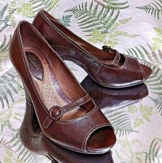 CLARKS BROWN LEATHER LOAFERS OPEN TOE DRESS SANDALS HEELS SHOES WOMENS SZ 6.5 M #Clarks #Classics #SpecialOccasion