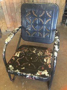 Vintage 1950s Metal Patio Porch Lawn Chair Pie Crust Pattern Bunting