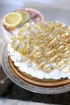 Les tartes au citron meringuée font toujours fureur, mais en fait soit on aime soit on déteste!   Ben c'est pas si vrai, à force d'entrainem...