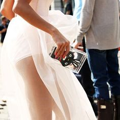 Love everything about this picture x #love #streetstyle #baglove #white #Padgram