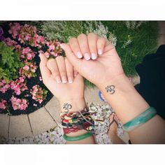Best friend tattoos 155 matching tattoos with meanings wild small bff tattoos Small Bff Tattoos, Small Tattoo Placement, Small Tattoos With Meaning, Tattoos For Women Small, Cute Tattoos, Wild Tattoo, Tattoo Art, Forever Tattoo, Friendship Tattoos