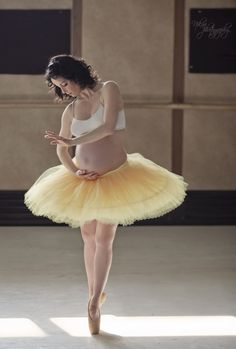 maternity by nikaa photography, via 500px