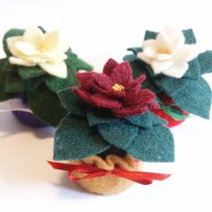 Mini Bottlecap Holiday Poinsettia pincushion by verybigjen on Artfire Bottle Cap